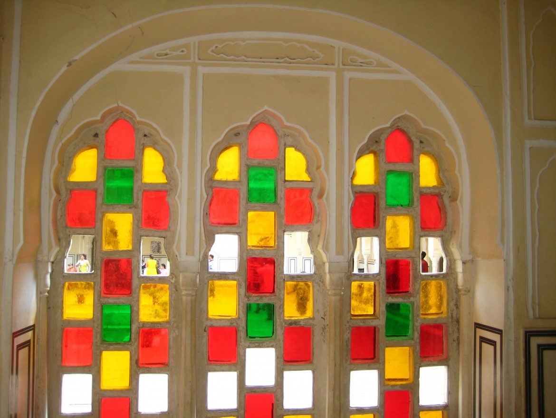 Sameer Goyal, «Colored glass work at Hawa Mahal Jaipur», 2013