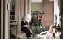 Casa Ponti Gio e Giulia Ponti e sullo sfondo i due figli minori Letizia e Giulio nella casa di via Dezza Gio Ponti Archives