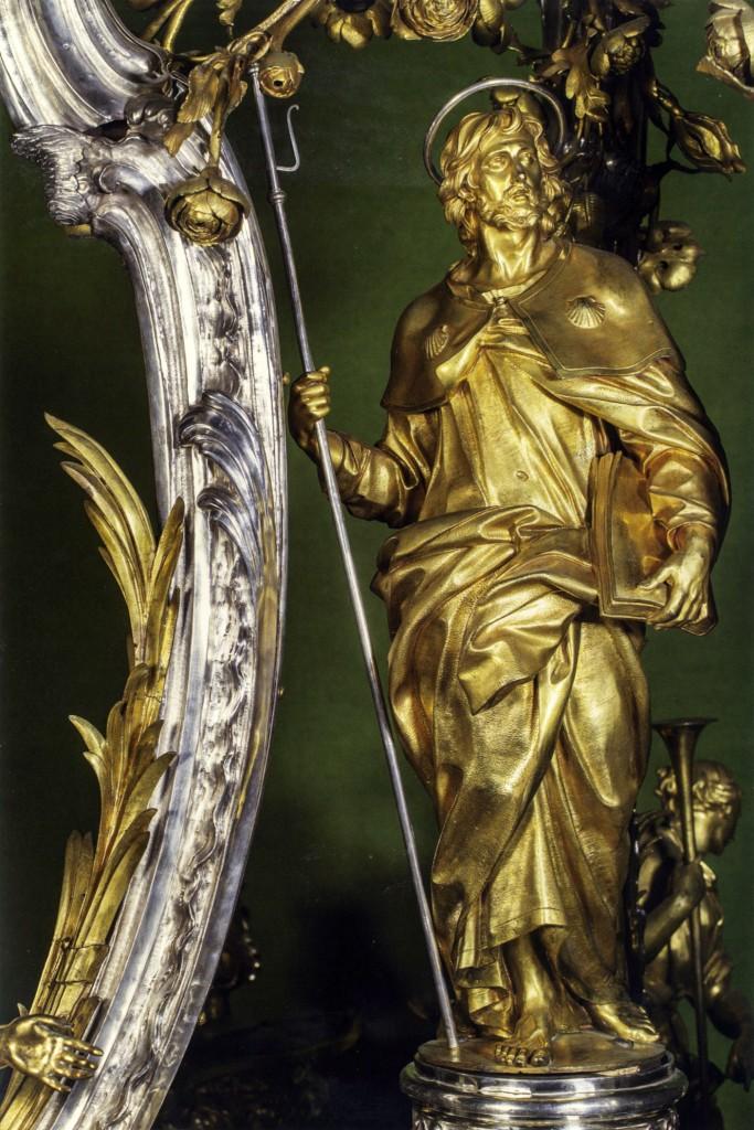 Luigi Valadier, statua in bronzo dorato raffigurante San Giacomo Maggiore in uno dei lampadari per la cattedrale di Santiago di Compostela