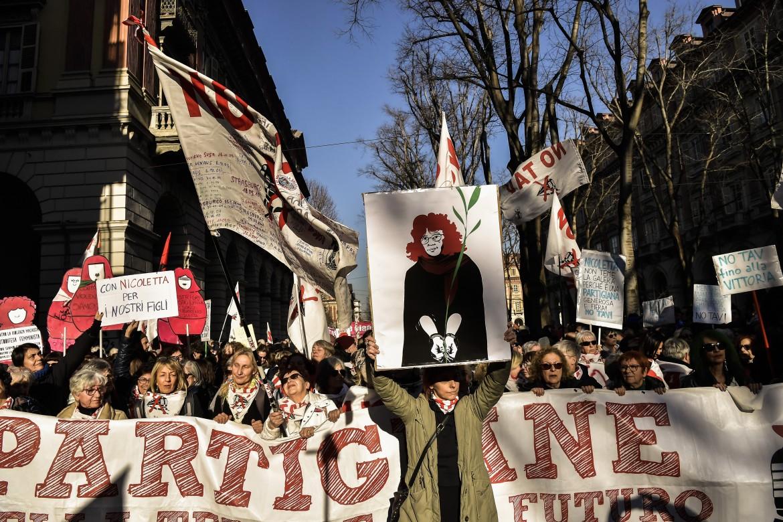 Torino, manifestazione in solidarietà con Nicoletta Dosio