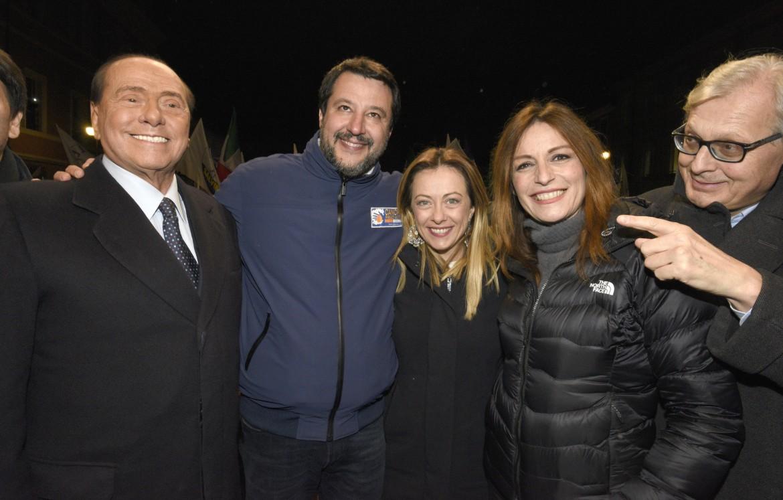 Silvio Berlusconi, Matteo Salvini, Giorgia Meloni e Lucia Borgonzoni a Ravenna per la chiusura della campagna elettorale