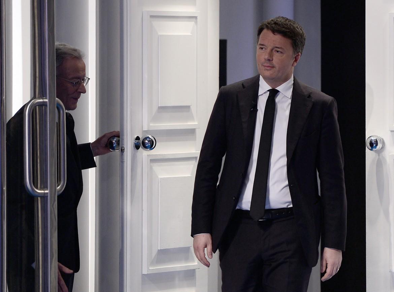 Roma, ieri. Il leader di Italia viva entra nello studio di Porta a Porta, Raiuno