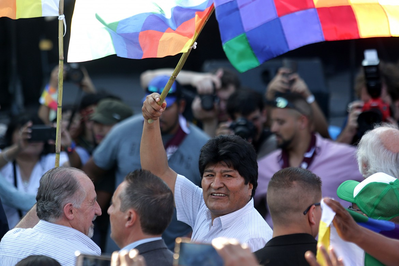 L'ex presidente boliviano Evo Morales a Buenos Aires durante una manifestazione a suo sostegno
