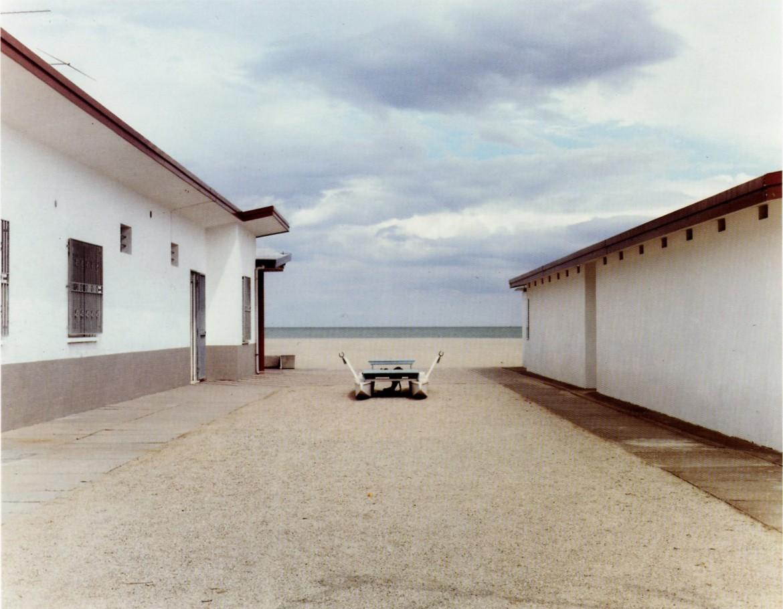 Luigi Ghirri,  Cervia (Fo), 1989,  foto tratta da: L. G., Vista con camera, Federico Motta Editore, 1992