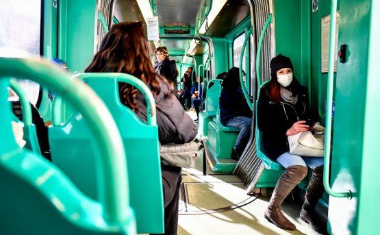 Treni in tilt impiegati con la mascherina E i contagi salgono a 229