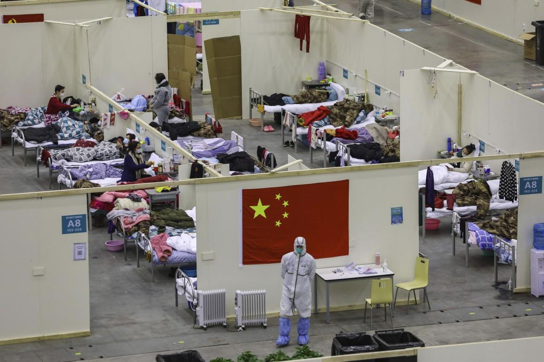 Una delle strutture ospedaliere di Wuhan create per gestire la quarantena