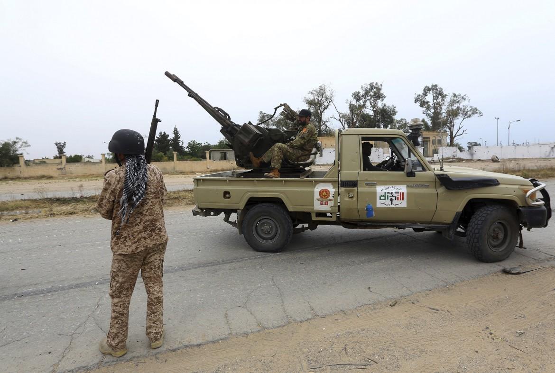 Milizie filo Serraj a difesa di Tripoli