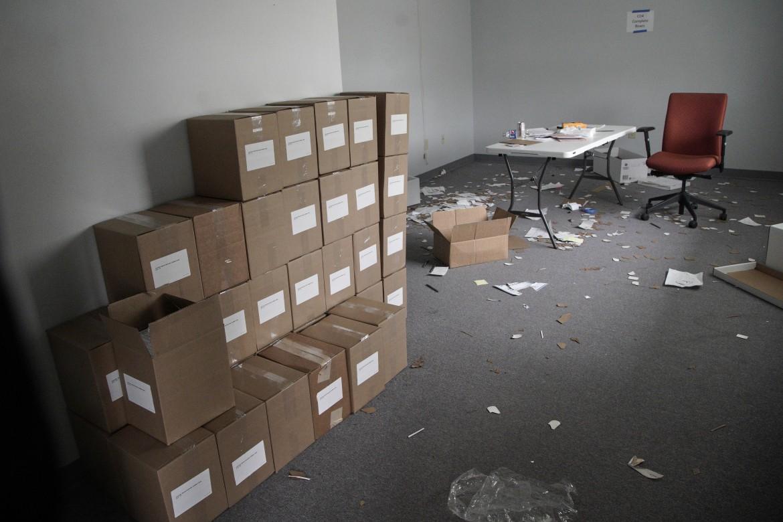 Scatole con i form di registrazione per i caucus in Iowa nel quartier generale democratico a Des Moines