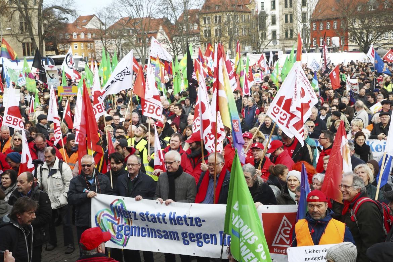 La manifestazione a Erfurt contro l'Afd