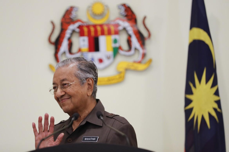 Il premier - dimesso - della Malaysia
