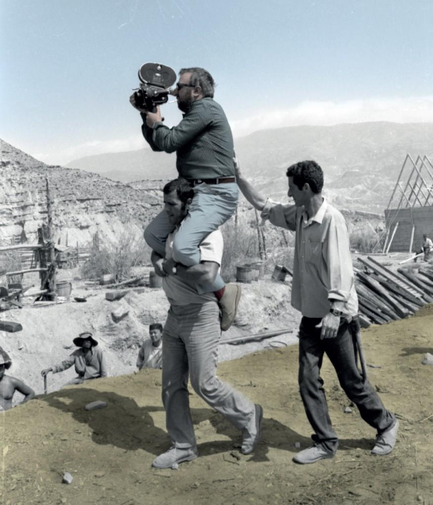 Sergio Leone sul set di C'era una volta il West, 1968, foto di Angelo Novi