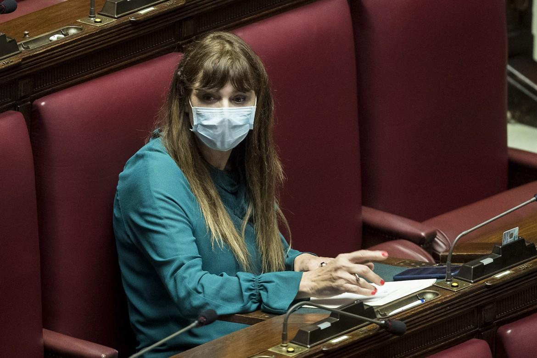 Deputata con mascherina