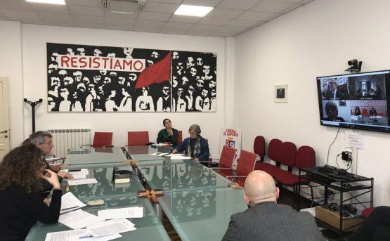 Confindustria insiste riaprire subito I sindacati a Conte convocaci