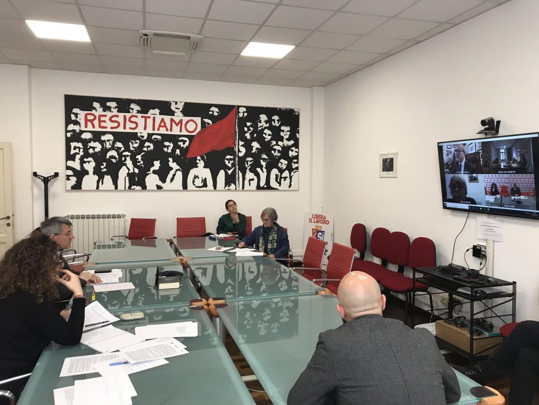 La Cgil con Maurizio Landini durante la trattativa da remoto per arrivare alla firma del Protocollo sulla sicurezza da coronavirus