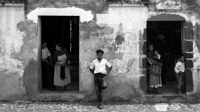 Manuel Álvarez Bravo, «Retablo di Atlatlahucan, Messico, 1950-58»