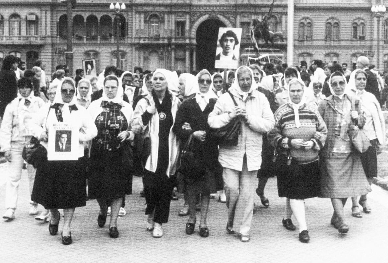 Le madri di Plaza de Mayo nel 1985