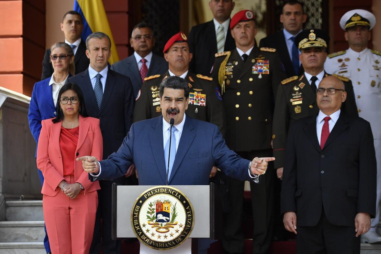 Il presidente venezuelano Maduro nel palazzo presidenziale di Caracas