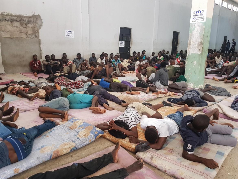 Un centro di detenzione per rifugiati in Libia