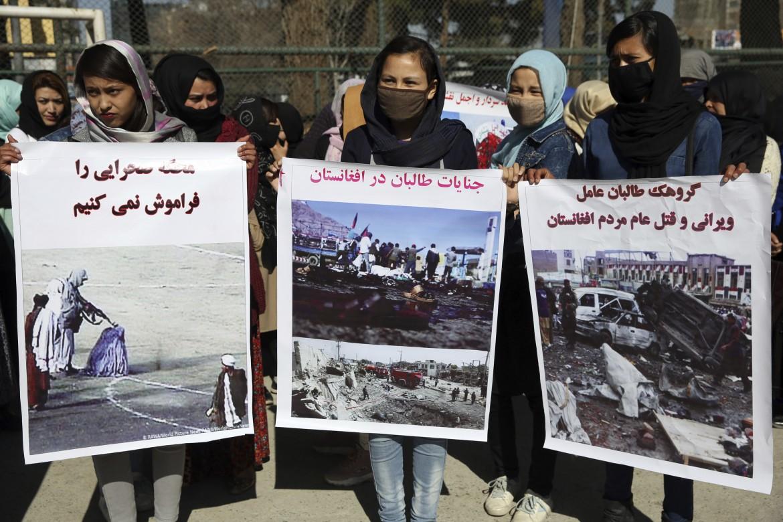 Pace senza giustizia. Una protesta a Kabul contro l'intesa Usa-talebani