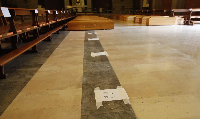 Seriate (Bergamo), bare dei morti per Covid-19