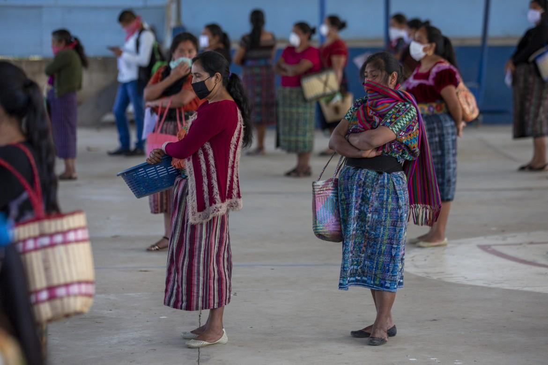 Donne al mercato di Xesuj in Guatemala