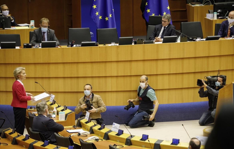 La presidente della Commissione Ue Ursula Von Der Leyen al Parlamento Europeo