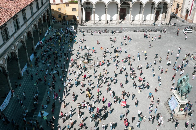 Firenze, il sit in della mondo della scuola