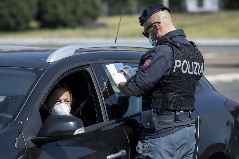Controlli di polizia per le misure anti Covid-19