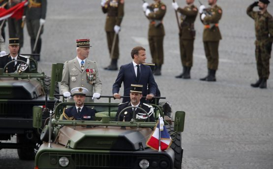 Fase 14 luglio Macron in tv promesse green e ai giovani