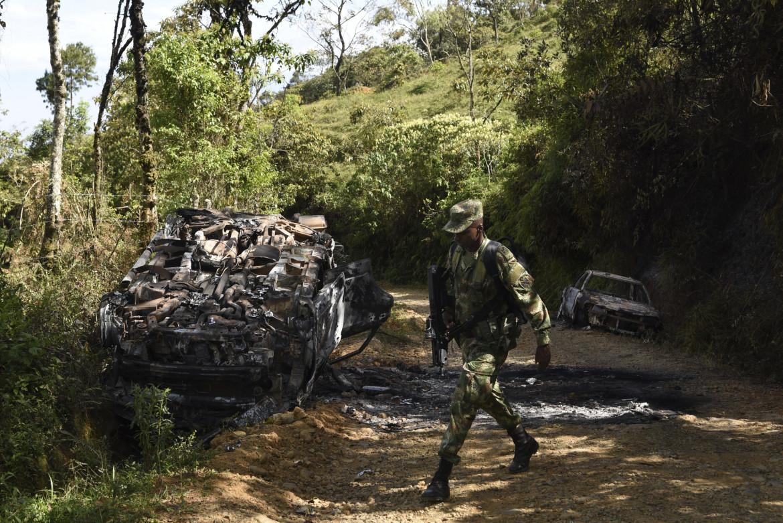 Il luogo dell'uccisione di cinque ex combattenti a Jamundi
