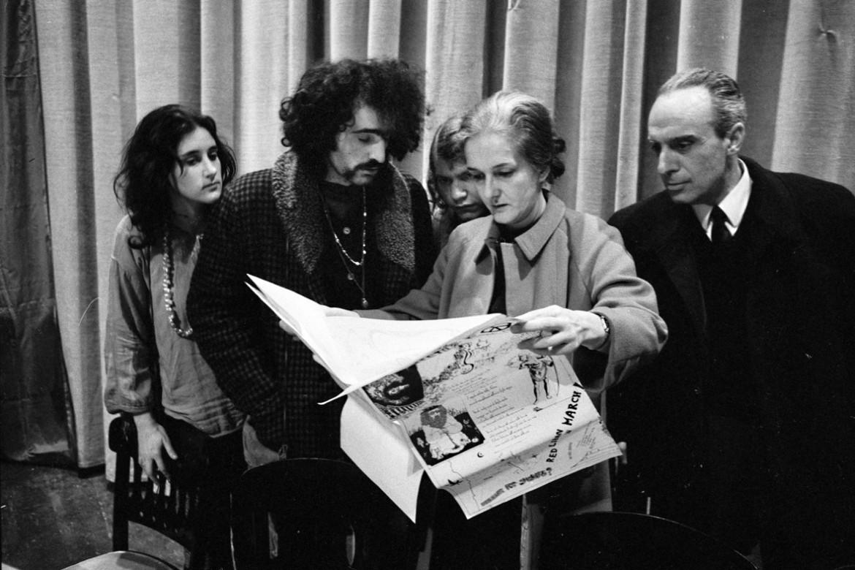 La prima uscita pubblica del gruppo-rivista il manifesto. Roma, Teatro Eliseo, 15 febbraio 1970