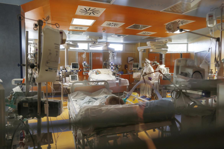 Il reparto di terapia intensiva dell'Istituto Clinico Casal Palocco Covid 3