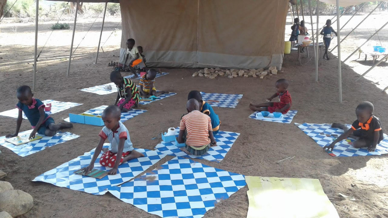 Il metodo montessoriano fra i bambini di Samburu, in Kenya (Association Montessori Internationale)