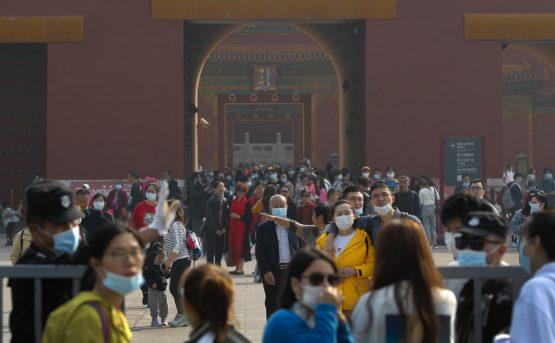La Cina cresce al 49 e blocca lexport strategico
