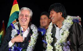Alvaro Garcia Linera e Evo Morales a El Alto in Bolivia ai tempi in cui erano rispettivamente vicepresidente e presidente del Paese