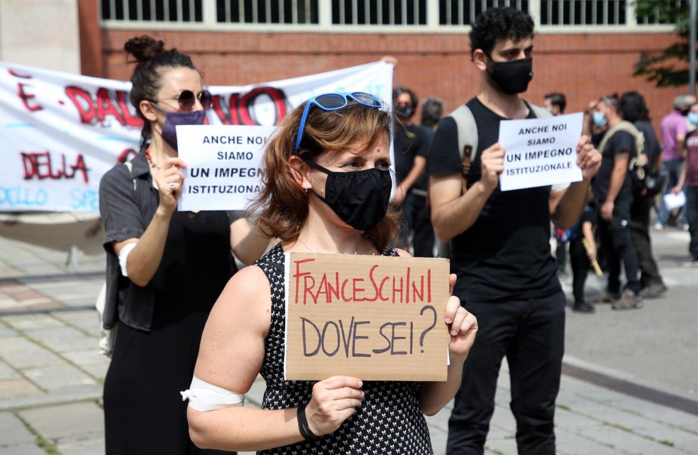 Una protesta dei lavoratori dello spettacolo
