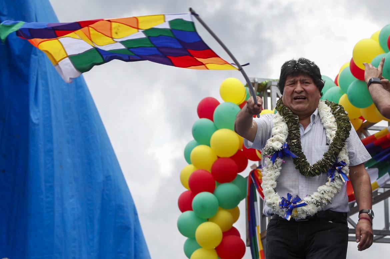 I festeggiamenti a Chimoré, nel dipartimento di Cochabamba, per il ritorno di Evo Morales in Bolivia