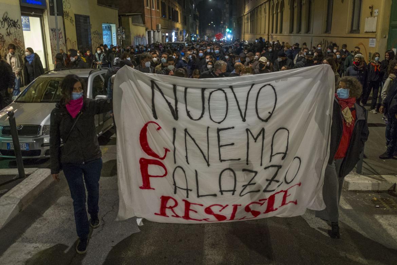 Protesta al Cinema Palazzo