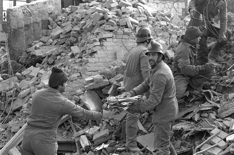 Irpinia, tre settimane dopo il terremoto del 23 novembre 1980
