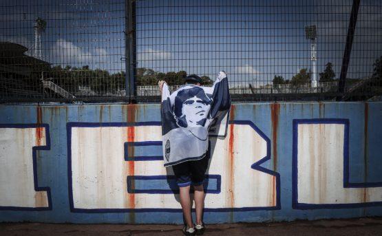 Il mondo piange Maradona