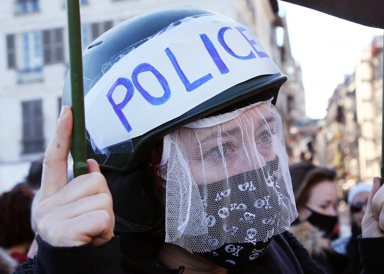Protesta a Bayonne, nel sud-ovest della Francia contro il disegno di legge sulla sicurezza