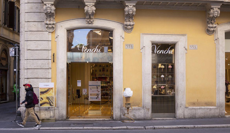Il negozio Venchi di via del Corso, a Roma