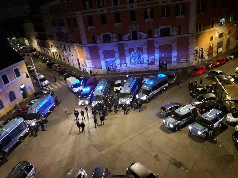 Arrivo dei blindati a Piazza dei Sanniti, San Lorenzo.