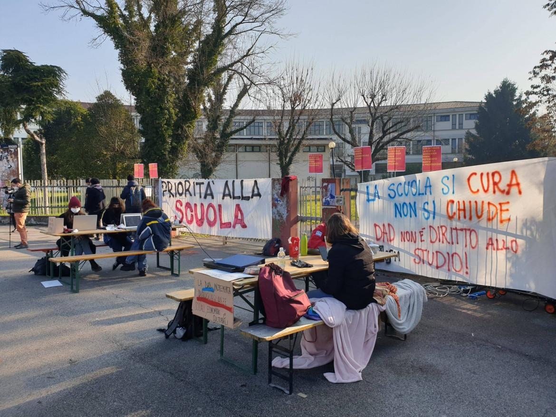 Manifestazione del movimento School for future-Priorità alla scuola