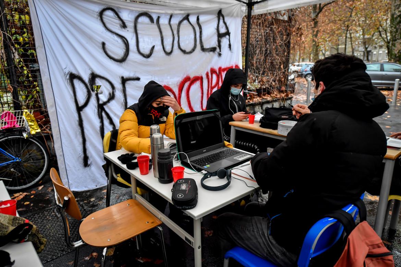 La protesta contro la didattica a distanza