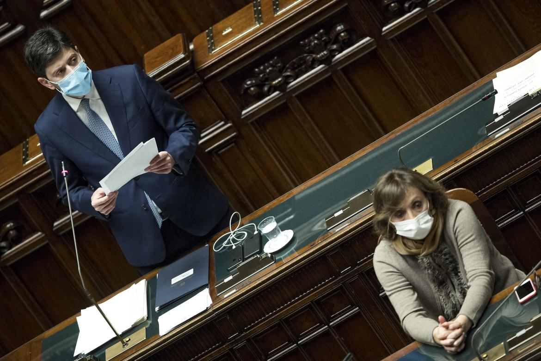 Il ministro della Salute Speranza ieri in Parlamento