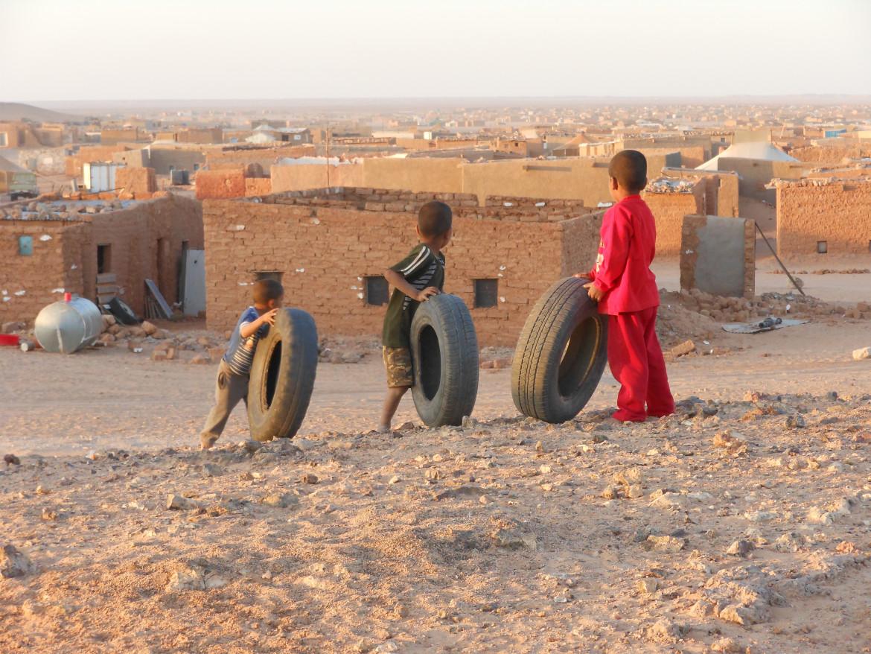 Una scena del film «Il Muro: La ferita del Sahara», di Gilberto Mastromatteo e Fiorella Bendoni