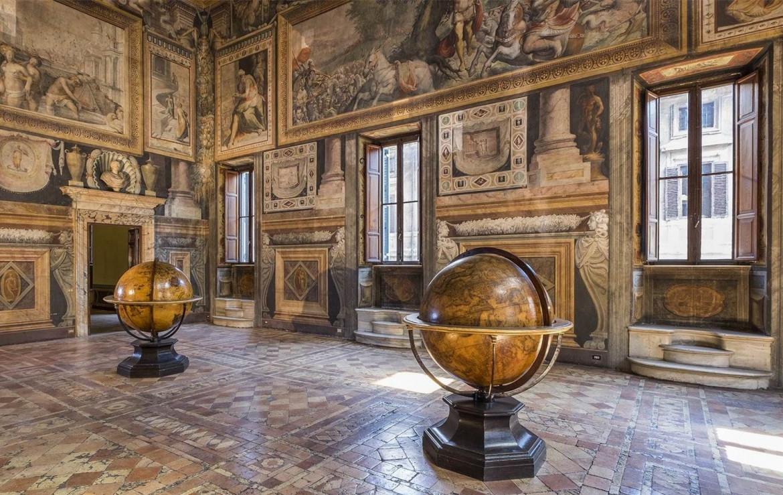 Palazzo Sacchetti in via Giulia a Roma, sala di Udienza con gli affreschi di Cecchino Salviati