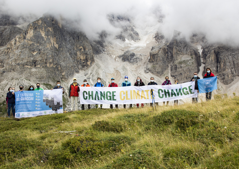 Protesta della «carovana dei ghiacciai» sulle Alpi
