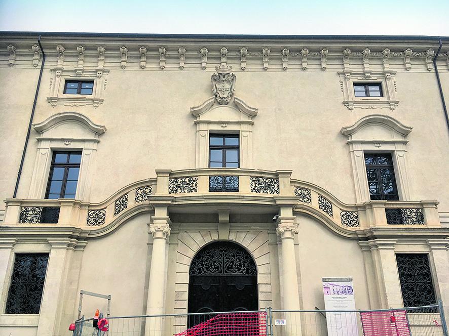 La facciata di Palazzo Ardinghelli